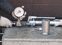 2.油圧ホースの取付