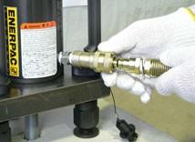 7.油圧ホースの取付
