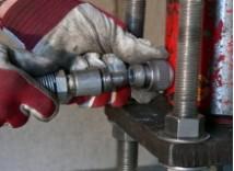 油圧ホースの取付